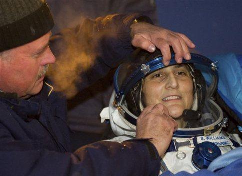 H Sunita Williams επέστρεψε στην Γη στις 19 Νοεμβρίου 2012 -την προηγούμενη ημέρα είχε τραβήξει το βίντεο-ξενάγηση στον ISS