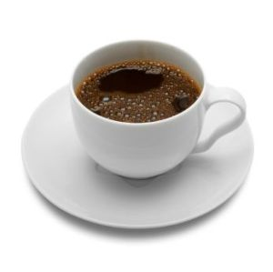 Όταν χρειάζεστε λίγη καφεΐνη, ο καφές είναι η καλύτερη επιλογή συγκριτικά με τα αναψυκτικά και τα ενεργειακά ποτά. Ο σκέτος καφές δεν έχει καμιά θερμίδα και είναι πλούσιος σε αντιοξειδωτικές ουσίες. Μελέτες έχουν δείξει ότι πίνοντας μέτριες ποσότητες καφέ (3 με 4 φλιτζάνια την ημέρα) βελτιώνουμε τη διάθεση και τη συγκέντρωση και μειώνουμε τον κίνδυνο εκδήλωσης διαβήτη τύπου ΙΙ και αρκετών μορφών καρκίνου.